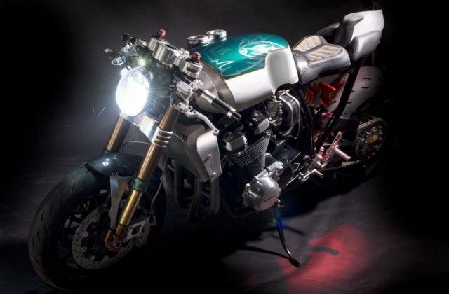 Suzuki GSX1400 do cafe racer den tu Augh Design - 7