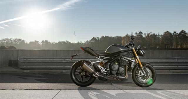 Triumph Speed Triple 1200 RS 2021 va BMW S1000R tren ban can thong so - 7
