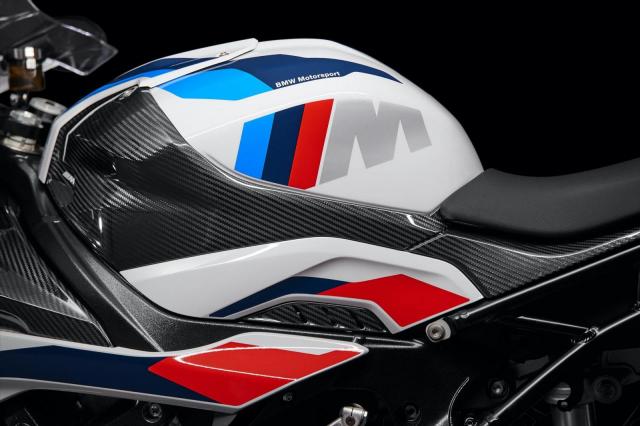 BMW M1000RR duoc tiet lo chuan bi co mat tai Chau A - 7