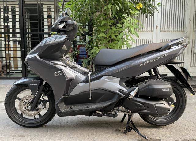 Xe air blade 150cc 2020 mau den xam chinh chu - 2