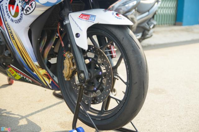 Yamaha R3 phien ban xe dua duoc trang bi gi - 4