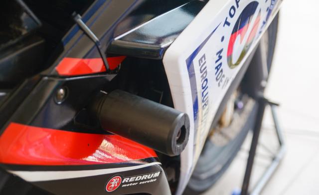 Yamaha R3 phien ban xe dua duoc trang bi gi - 8