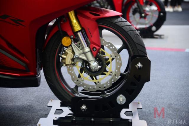 Kawasaki Ninja ZX25R va Honda CBR250RR SP tren ban can thong so - 7