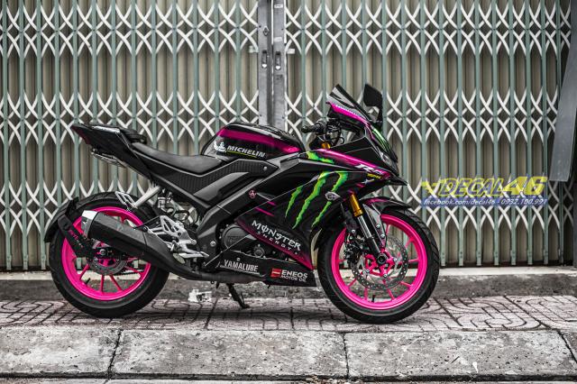 Son mam tinh dien moto cho Yamaha R15 do Decal46 thuc hien - 3