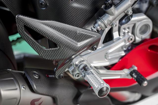 Ducati Panigale V4 2021 duoc trang bi goi phu kien Performance Accessories - 6