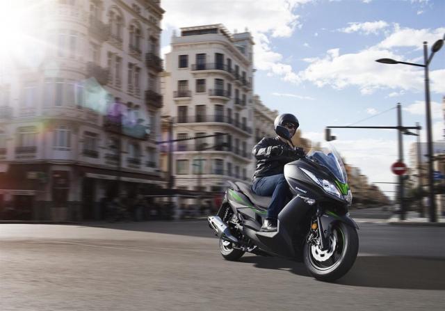 Kawasaki J125 xe tay ga 125cc co gia ban khoang 137 trieu Dong - 10