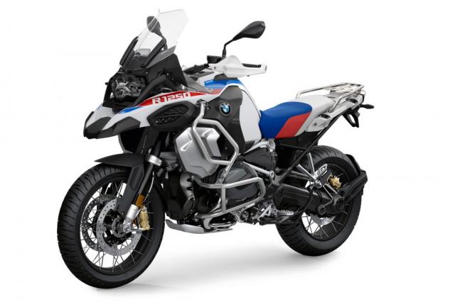 BMW R1250GS Adventure 2022 ra mat duoc bo sung goi trang bi hien dai hon