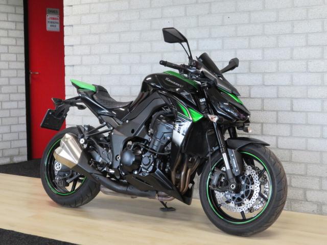 Kawasaki Z1000 ABS 2017 xanh den - 2