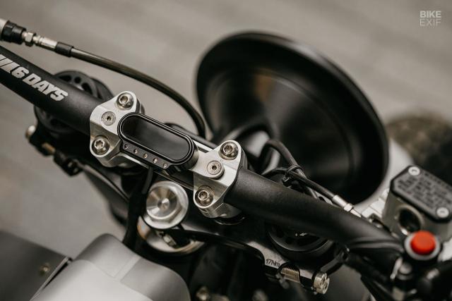 KTM 300 XCW dot bien voi phong cach Street tracker - 10