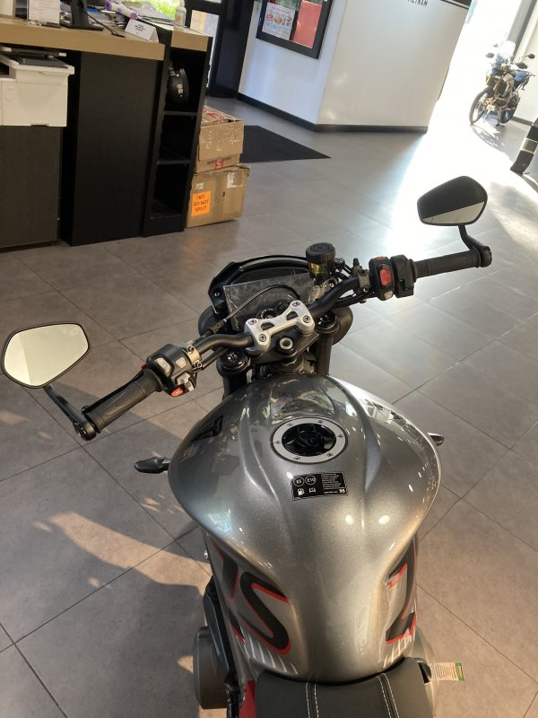 Naked bike Street Triple RS 2021 Moi 100 Co ho tro ngan hang - 5