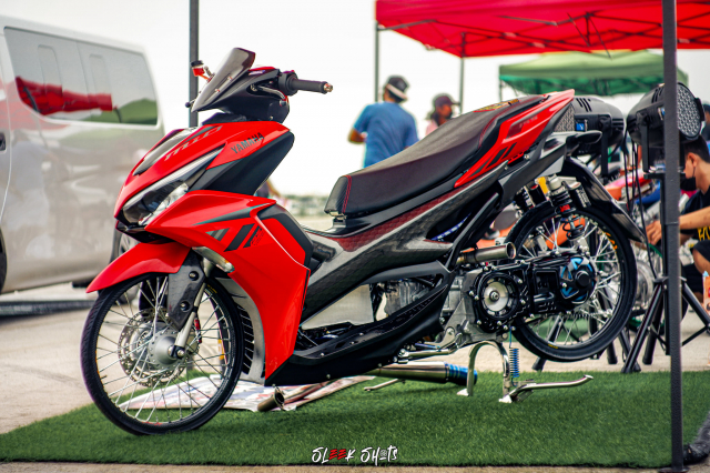NVX 155 2021 lot xac KHUNG qua ban tay cua biker Thailand - 4