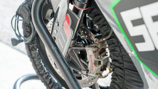 Sportbike su dung dong co KTM 890 dang thu nghiem - 6