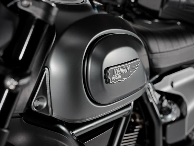 Ducati Scrambler Nightshift hien da ra mat Chau A voi gia tu 350 trieu dong - 4