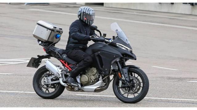 Ducati tiet lo li do tai sao khong su dung dong co Vtwin tren chiec Multistrada