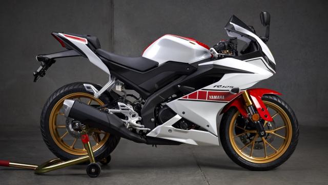 Can canh Yamaha R125 2022 phien ban Ky niem trang bi an dut R15 than thanh - 19