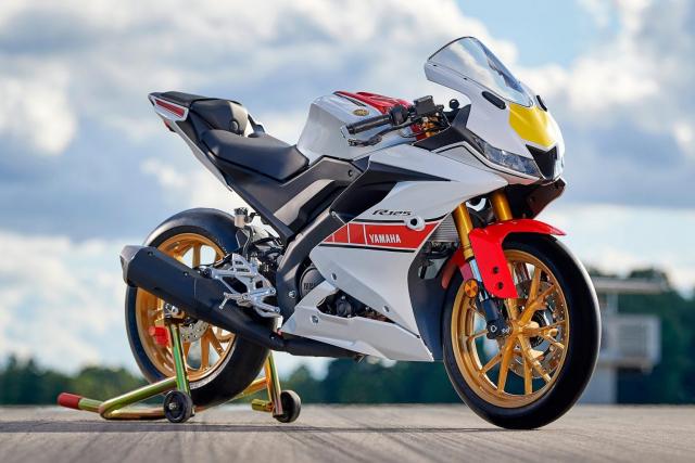 Can canh Yamaha R125 2022 phien ban Ky niem trang bi an dut R15 than thanh - 23