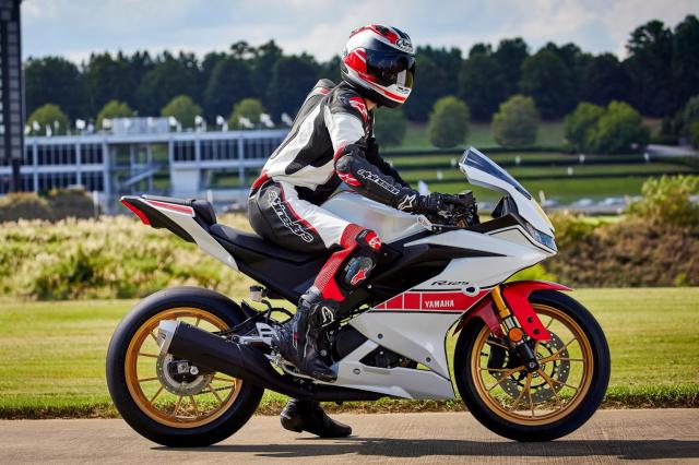 Can canh Yamaha R125 2022 phien ban Ky niem trang bi an dut R15 than thanh - 31
