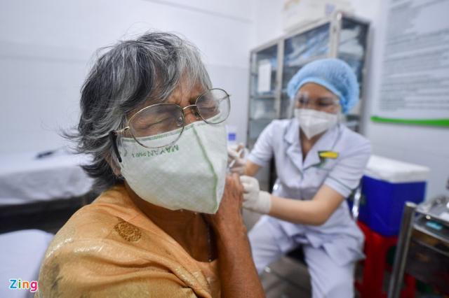 Co the thay the bang vaccine nao khi nguoi dan da tiem mui 1 Moderna - 2