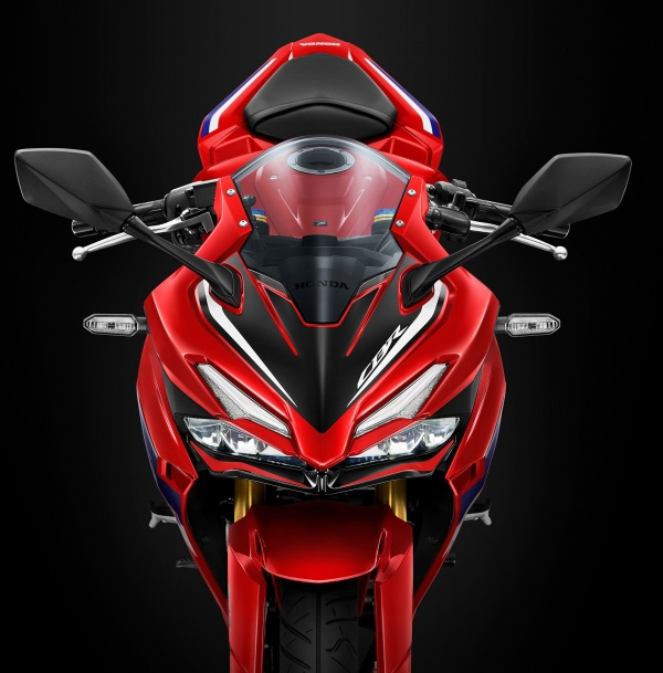 Honda CBR150R 2022 cung ra mat tai Thai Lan voi gia re hon Viet Nam vai trieu - 3