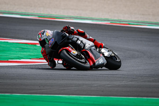 Lo dien nhung chiec xe dua MotoGP hoan toan moi khi dang thu nghiem - 10