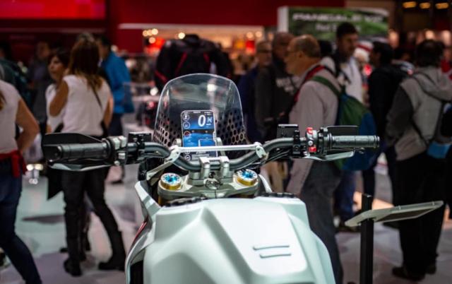 Lo tin Ducati Desert X se xuat hien trong buoi ra mat xe moi 2022 cua Ducati - 9