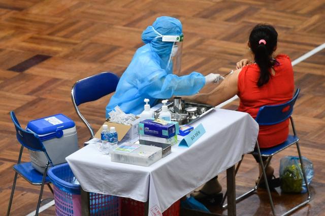 Rut ngan khoang cach 2 mui tiem nho hieu qua cua vaccine AstraZeneca - 2
