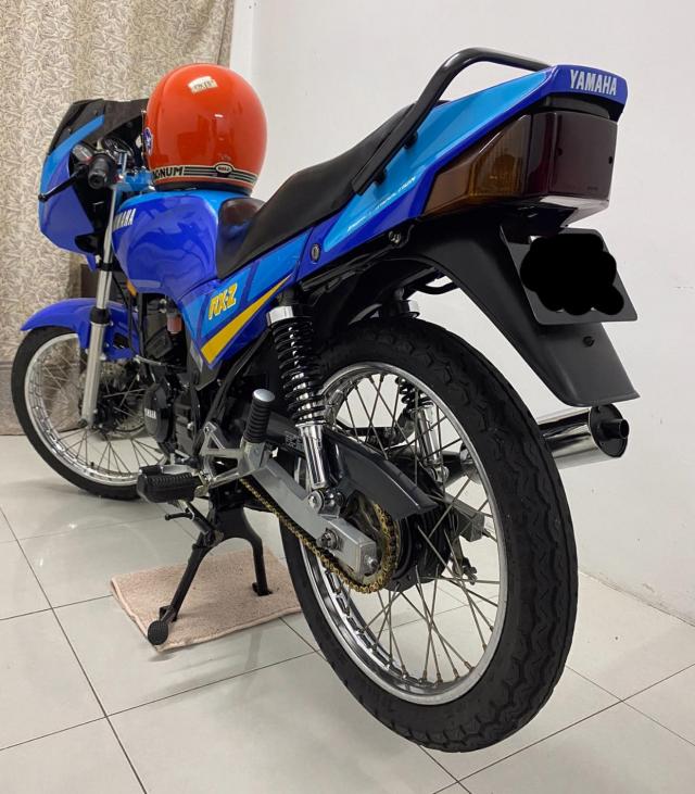 Xe tho Yamaha RXZ 135 duoc thu mua voi gia len toi 325 trieu dong - 4