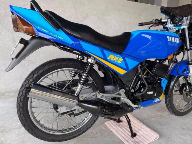 Xe tho Yamaha RXZ 135 duoc thu mua voi gia len toi 325 trieu dong - 10