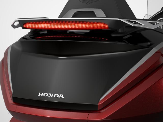 Honda ra mat Gold Wing 2021 Dang canh mo duong tren khap cung duong Viet - 14