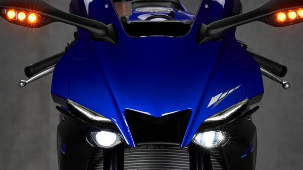Lo dien Yamaha R1 2022 an theo phong cach cua dan em R7